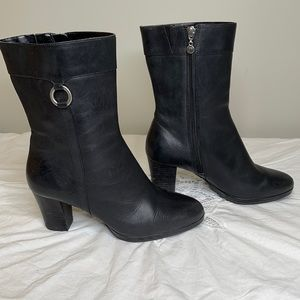 Rockport Dynamic Suspension black leather side zippered boot 6.5